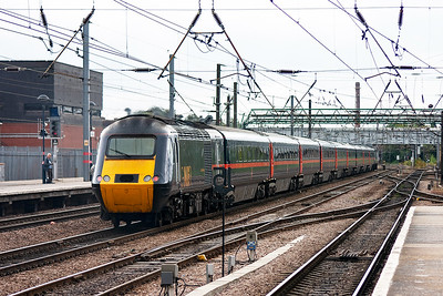 This is a train I have photographed many times back home in Fife, 1E10 0755 Aberdeen to Kings Cross. 43107 leads with 43111 on the back tears through Doncaster without stopping.