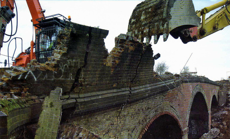 The destruction of Windmill Bridge.  9th January 2008. Source Guided Busway Update. Cambridgeshire County Council.