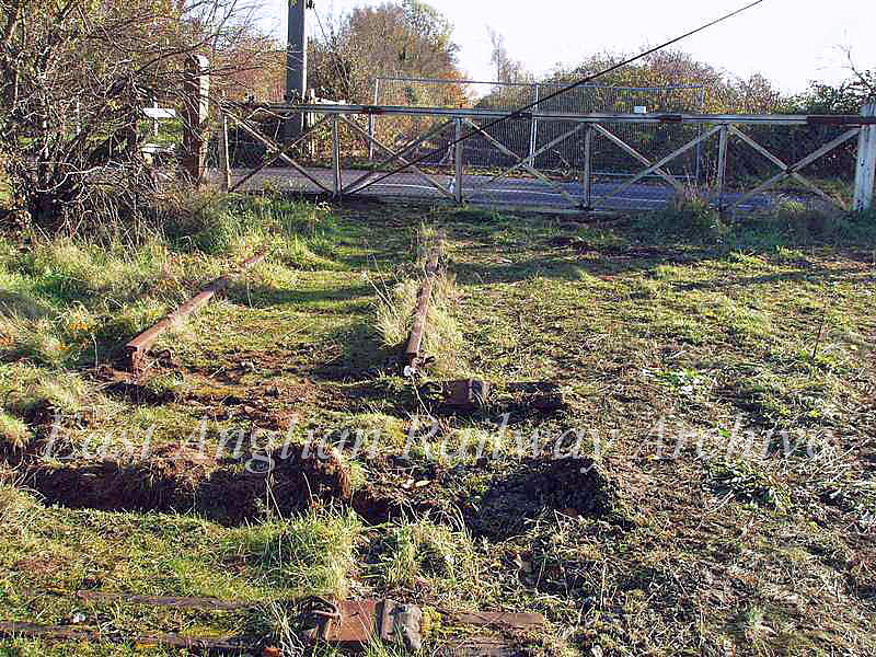 The final days of Girton Road Crossing.  November 2006. Photo with kind permission of Peter Heath.