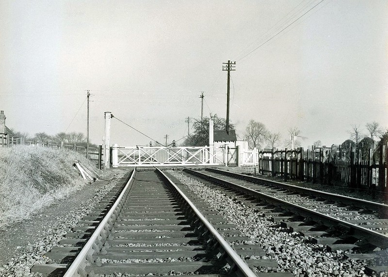 Wimblington. Eastwood End Crossing. Viewed facing north towards March on 10th January 1962. Image:- thanks to Mark Brammer.