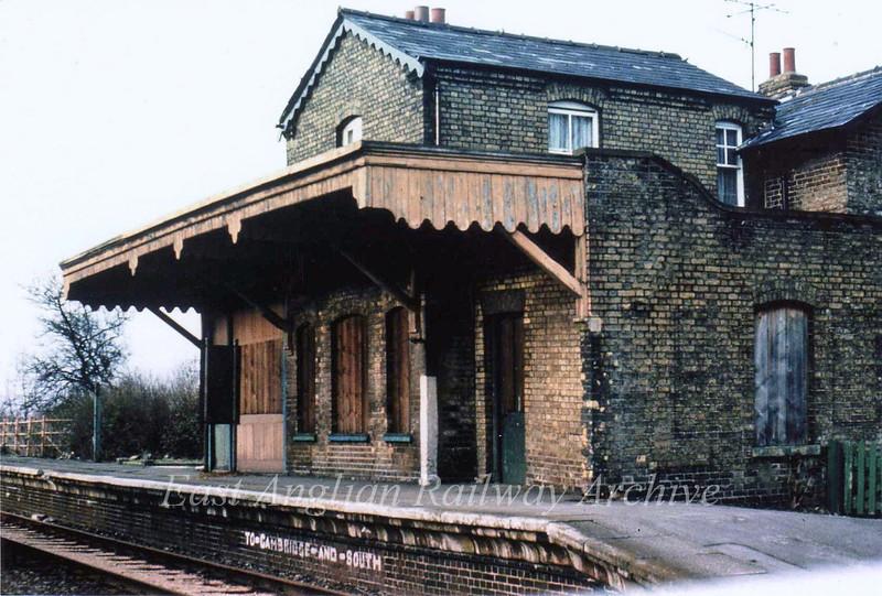 Oakington shelter on up platform  14th April 1980.
