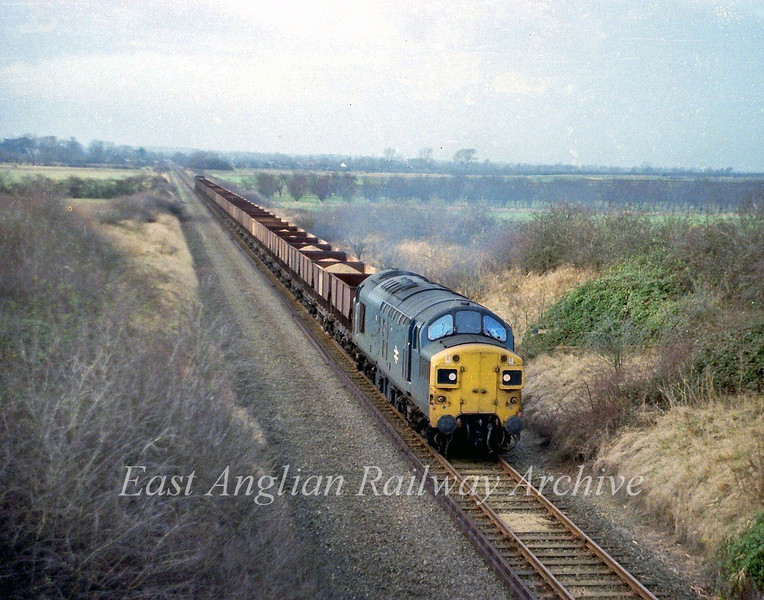 37075 approaches Windmill Bridge between Swavesey and Longstanton with a Saturday afternoon sand working from Fen Drayton.  9th December 1978