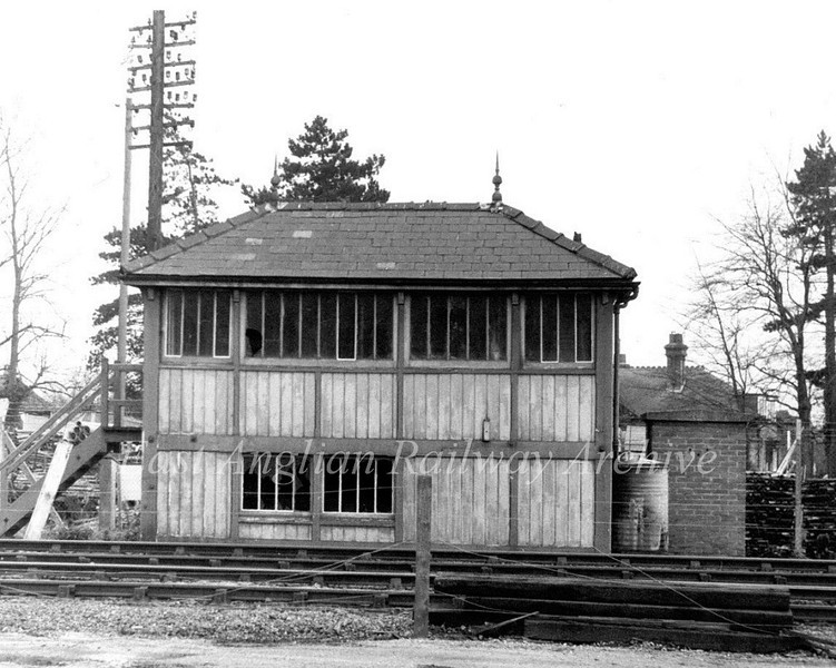 Histon Signal Box on 18th January 1976. The box was enlarged in the early nineteen thirties to accommodate four extra levers in conjunction with a 90 wagon up goods loop. This can be seen at the right hand end of the box which is the additional section.