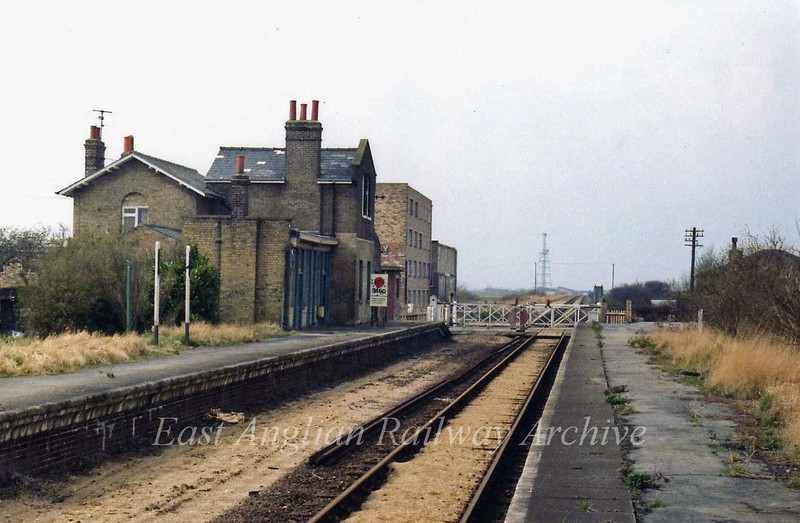 Longstanton facing Swavesey 12th March 1978. The BT microwave link tower at Windmill bridge can be seen on the skyline.