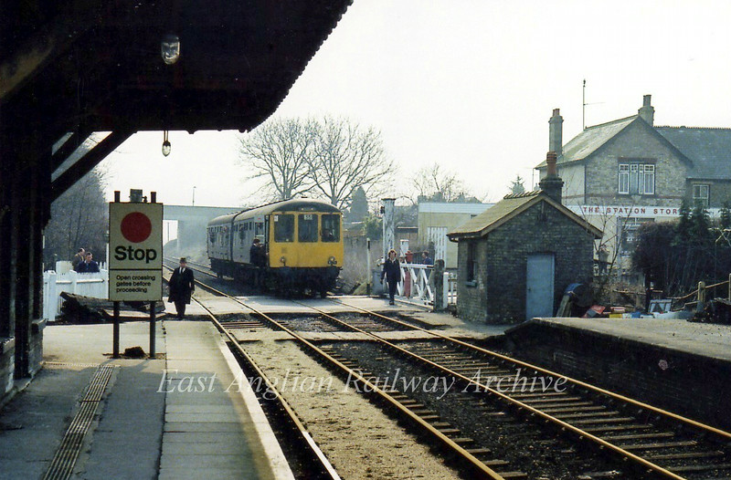 Railway Correspondence and Travel Society special arriving at Histon.  7th May 1979.  This consisted of a Cravens E51265 and a Birmingham RCW 56189 two car set.