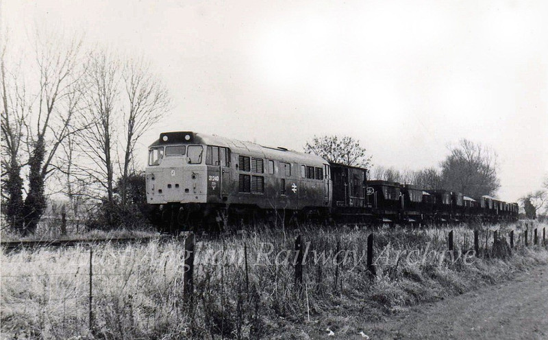 31240 arrives at Oakington with a ballast working in November 1980.