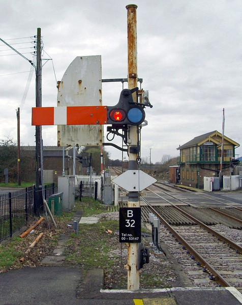 Brandon up starter signal which has now disappeared with resignalling.  27th March 2010.