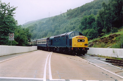 After a brief stop at Garve to exchange radio tokens, 40145 sets out across the Dingwall to Ullapool road for the 2 mile 1 in 50/60 climb to Corriemullie summit.