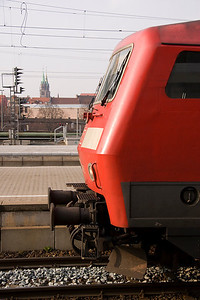 Anothr front-end variation: 120 110 waits departure from Nuremburg, with the twin spires of Lorenzkirche in the background