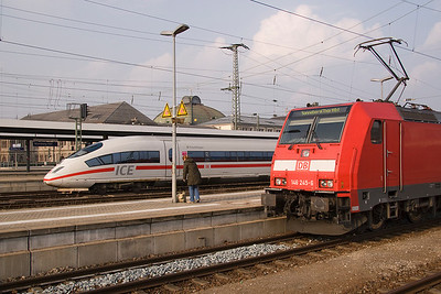 A contrast in Front ends at Nuremberg, 146 245 and an ICE at the west end of the station 28/03/11
