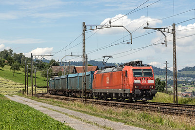 A works stained workhorse 185091 heads for the Gotthard pass 28 June 2016