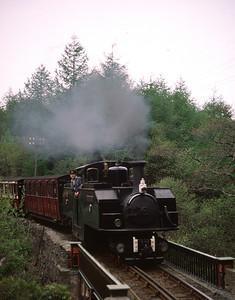 Earl of Merioneth crossing Tan-y-Bwlch bridge 30/4/88