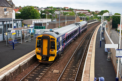 First Group liveried, ScotRail branded 158736 draws into Kinghorn for its station stop with a Fife Circle Inner working, 2K07 0941 Edinburgh to Newcraighall.
