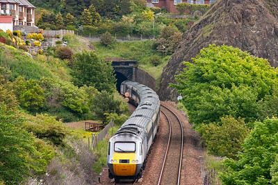 Turning round and looking north and 43300 is about to enter the 250 yard long Kinghorn Tunnel which passes through Witches Hill. The rear powercar is 43306.