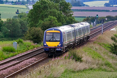 A dull and overcast evening at Welltree near Kingskettle and 170423 drops down Falkland Road Bank with 1L53 1900 Edinburgh to Dundee. I am waiting for a northbound special. 2/7/11