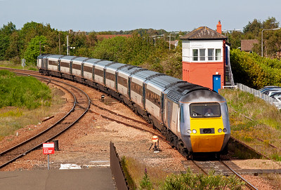 """East Coast service 1E25 1450 Aberdeen to Kings Cross passes the North British Railway signalbox as it slows for its station stop. The """"Bobby"""" has already replaced the up home semaphore. Powercar 43315 leads 43299."""