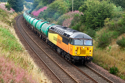 Since Colas won the contract for the aviation fuel traffic they have been using class 66 locos but they were needed elsewhere and were swapped for their class 56 locos, much to everyone's delight. 23/8/2013