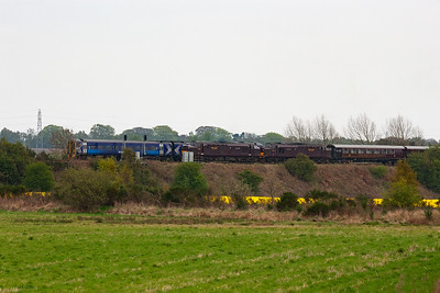 The second train to pass the tour is 1L05 1435 Edinburgh to Perth and the unknown class 158 shoots past the two type 3 locos and their train. Both of these trains are booked over the Newburgh branch.