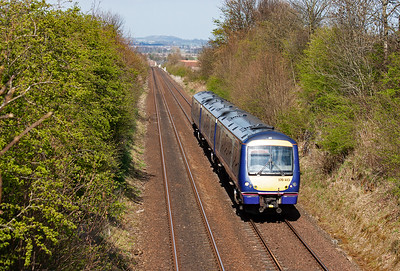 One last shot at Welltree and 170413 comes up the gradient with 1B31 1253 Inverness to Edinburgh.  20/4/2015.