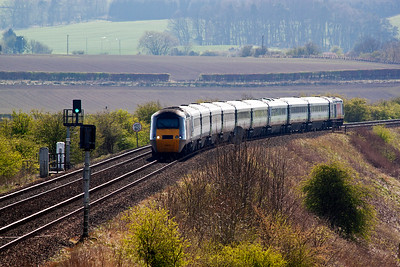 I move again to Welltree on Falkland Road Bank and this is one train booked to pass the Royal Scotsman.  1S11 is the 1000 Kings Cross departure for Aberdeen and powercars 43296 and 43307 bring the HST set down the bank.