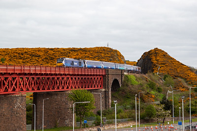 The next big cat is 68007 hauling 2L69 1720 Edinburgh to Cardenden.  These locos were built in Spain by Vossloh and two are on hire to ScotRail, with a spare, and wear the ScotRail livery.  Both sets operate morning and evening commuter services from and to Fife.