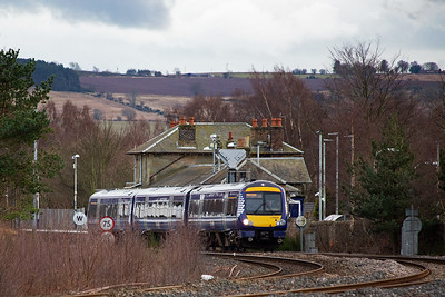 A down working passes through non stop with 170431 rostered to 1A78 1528 Edinburgh to Inverurie.