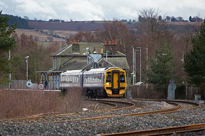 This service does stop at Ladybank, 1L57 1500 Edinburgh to Dundee with 158710 providing the motive power and passenger accommodation.