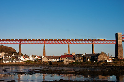 66103 puts out an exhaust train, unusual for a shed, as it takes its empty rake of HAA hoppers over the Bridge. The train is 6R14 1330 Longannet to Ayr Falkland Yard.