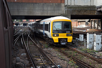 A Networker class 465 emu nears its journey's end with 2U62 0756 Dartford to Victoria.