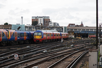 Looking towards Clapham Junction Carriage Sheds and sidings (somewhere I have been before with No9) and 456007 heads for Waterloo with 2G92 0807 from  Guildford.  Passing it is a down train including 450098 working 2P19 0825 Waterloo to Portsmouth and Southsea.