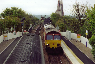 66055 brings a loaded MGR rake off the Forth Bridge with 7G40 0730 MX Millerhill to Longannet Power Station.