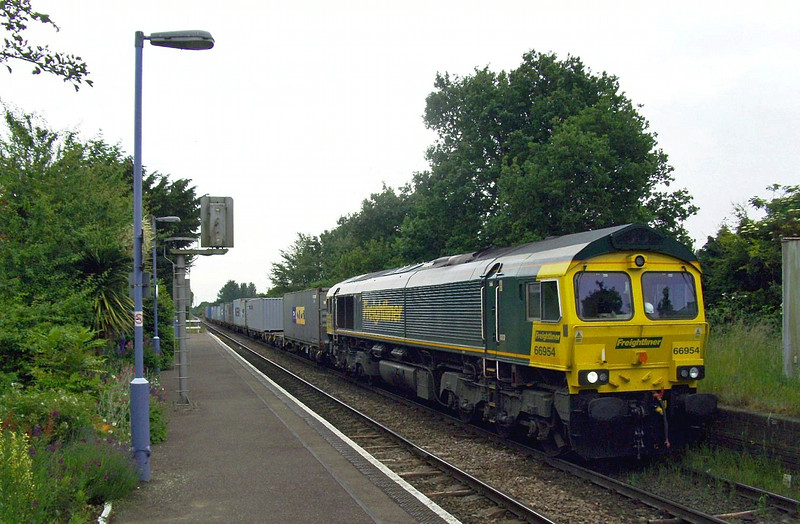 Freightliner Class 66  No 66954 passes Trimley, heading away from Felixstowe on 10th June 2009.