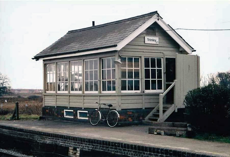 Trimley signal box. Image with kind permission of Tom Bowes.