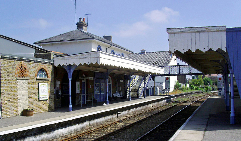 Woodbridge facing Melton.  2nd June 2010