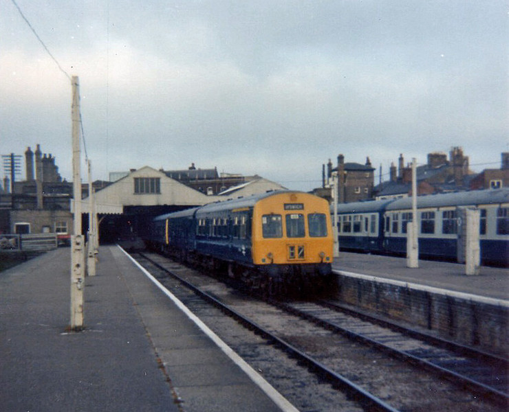 Class 101 at Lowestoft Central in May 1975.