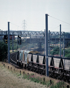 20081 20106 with HAA empties for Parkside at Winwick 6/7/92