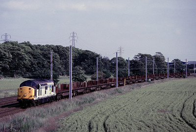 37 170 northbound steel empties 23/06/92
