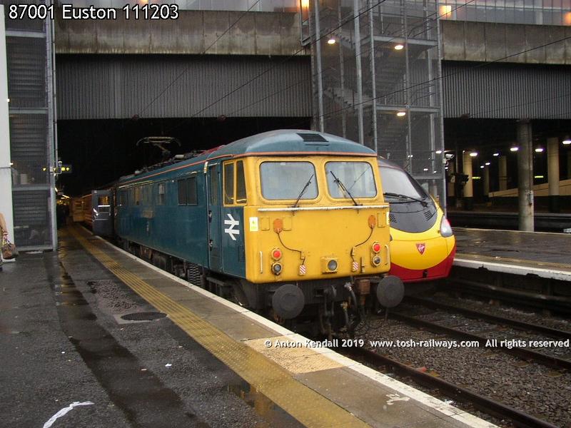 87001 Euston 111203