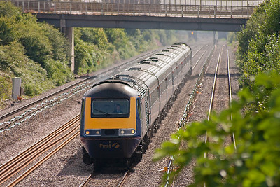 """In 2006 First Great Western still ran named trains and this is the down """"Saint David"""", 1B10 0745 Paddington to Swansea. It is running about 30 minutes late."""