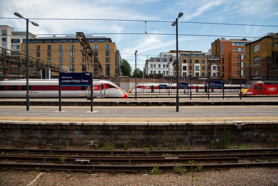 As more Azuma units are introduced the HST and class 91 with mkIV coaches will be withdrawn or re-assigned.  800107 runs in with 1A26 1115 Leeds to Kings Cross.