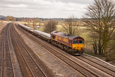 Another engineers working heads for Eastleigh. 66203 is in charge of 6O26 1019 MX Hinksey Virtual Quarry to Eastleigh Yard and is conveying new concrete sleepers.