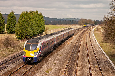 The Adelante unit seen earlier returns from Oxford with 180109 forming 1F34 1032 from Oxford to Paddington.