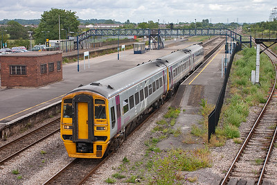 Services previously operated by Alphaline and Wessex Trains have been taken over by First Group and fallen under their fGW umbrella. Three car sprinter 158967 is made up by adding a vehicle from another unit and it forms 1F16 1122 from Portsmouth Harbour to Cardiff.