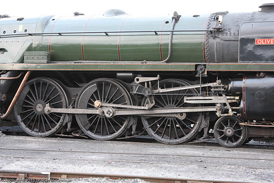 70013 Oliver Cromwell at Bo'ness between charter duties.