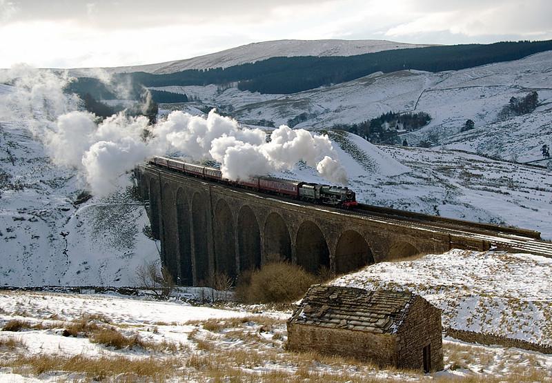 46115  Scots guardsman crossing Arten Gill  viaduct with Cumbrian Fellsman excursion to Carlisle 7/02/09