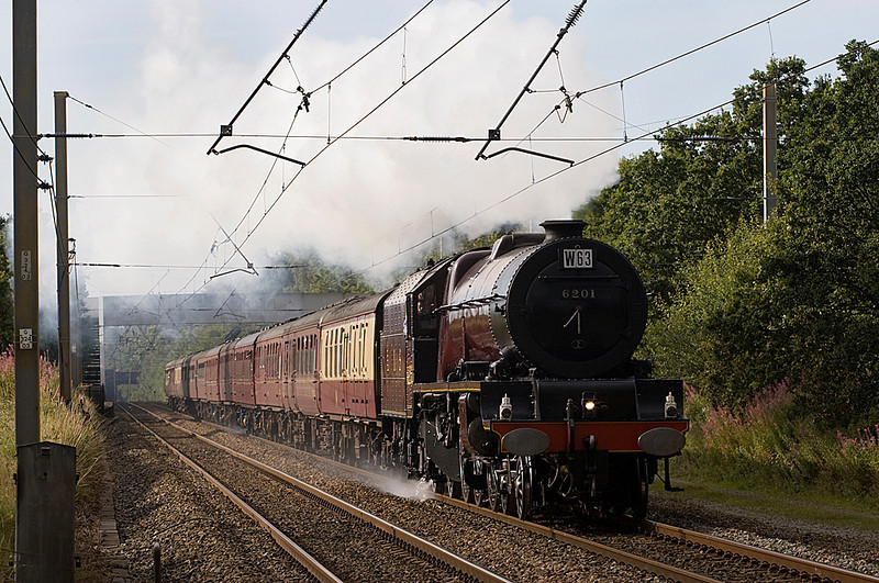 6201 Princess Elizabeth heading Northbound Cumbrian Mountain Express from Liverpool at Euxton Balshaw lane 22/08/09