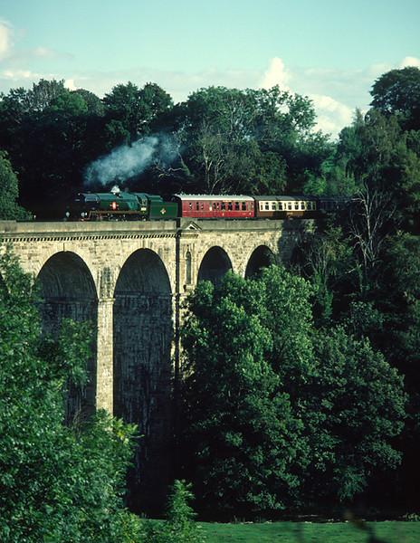35028 Clan line Crossing Chirk Viaduct 26/9/84