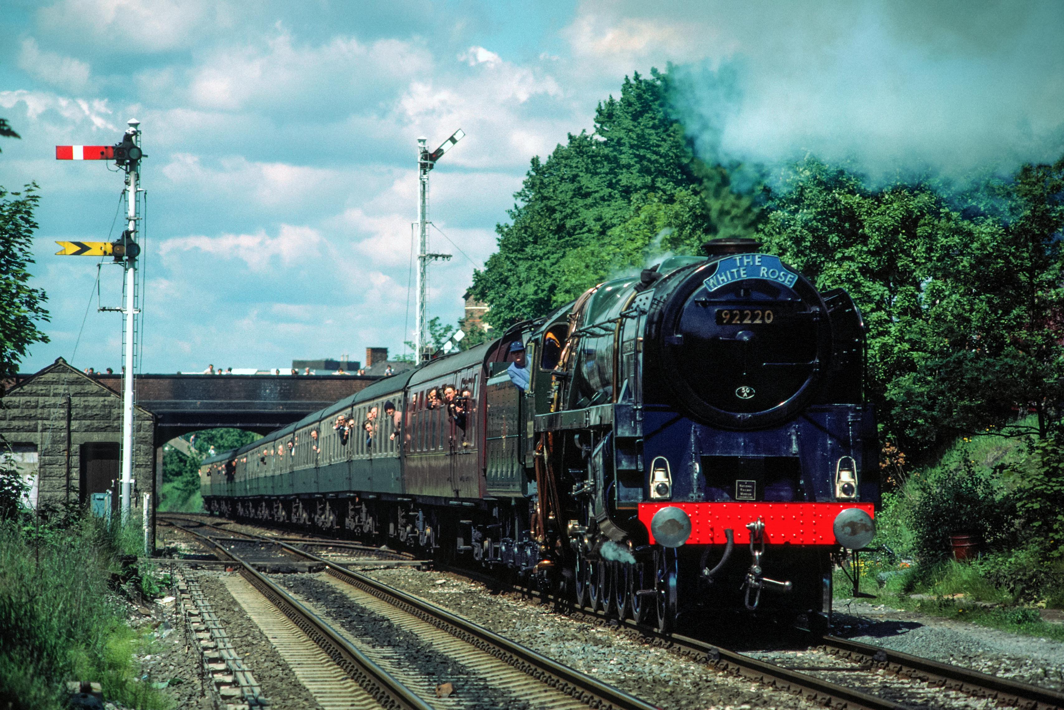 92220 Evening Star with York-Shrewsbury tour at Hale 15/6/85