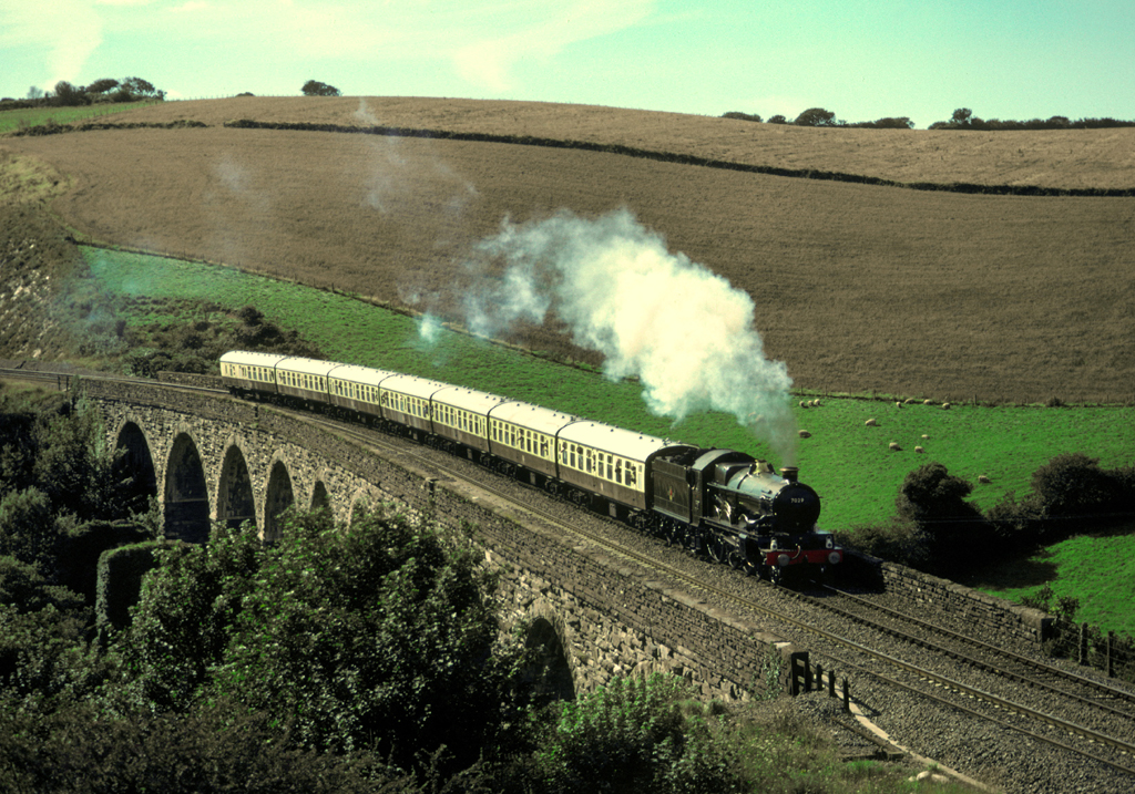 When we found this spot the day before - it was quiet, by the time Clun castle arrive there must have been a Gallery of about 100 photgraphers.   7029 crossing Coombe St Stephen viaduct with a special from Truro to Plymouth.   The first steam in Cornwall since BR steam finished 6/9/85