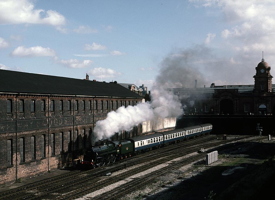 4MT 75069 leaving Nottingham for Matlock 13/9/87